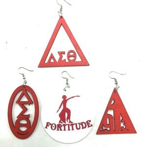 Jewelry - GORGEOUS DELTA SIGMA THETA EARRINGS NEW
